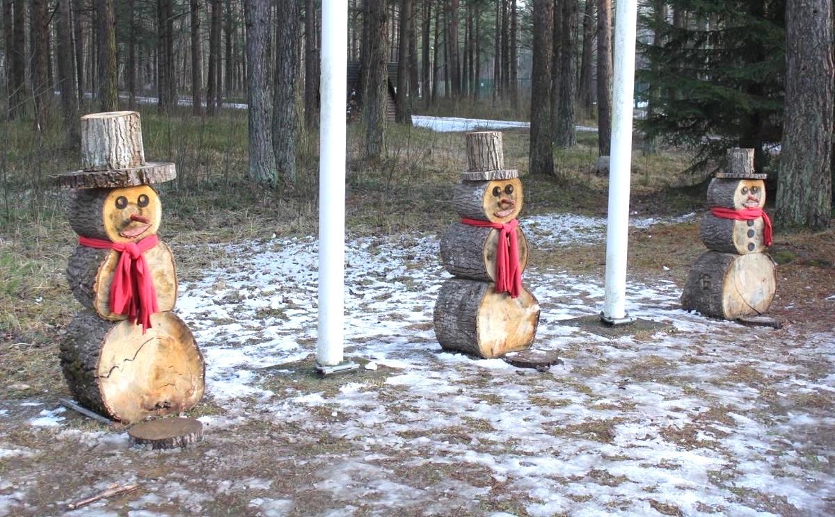 木製の雪だるま