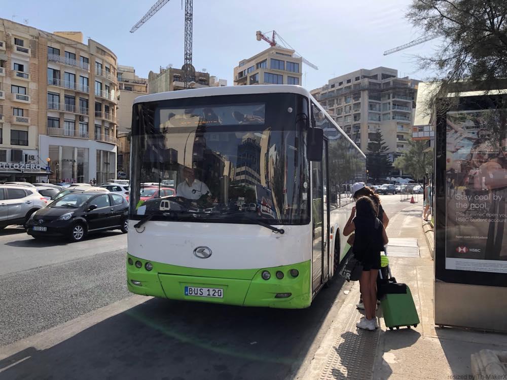 マルタのバス