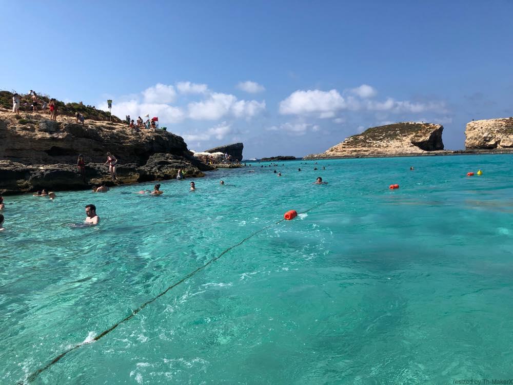 コミノ島の海