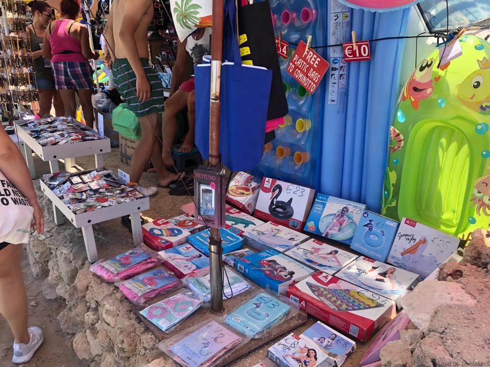 コミノ島の売店