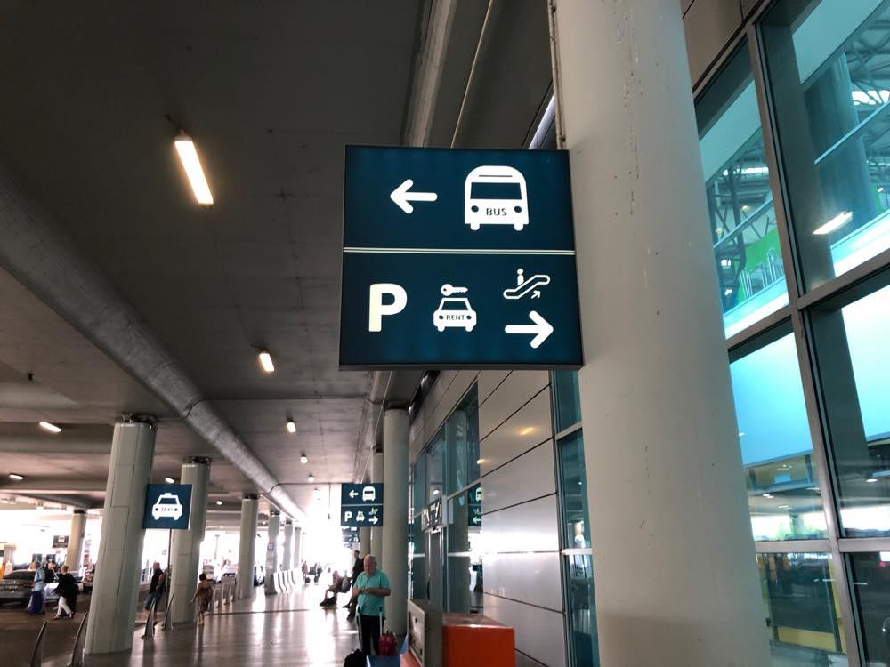 バスの標識