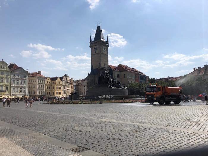 旧市街の像